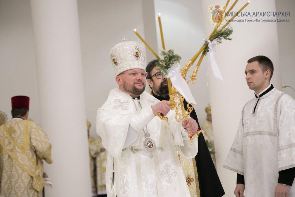 Архиєрейська Свята Літургія за участі Владики Степана Суса - Єпископа Курії Києво-Галицького Верховного Архиєпископа.